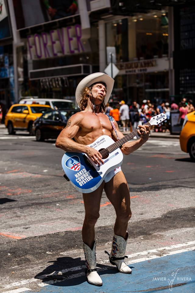 1016367_10151733643641291_68932801_n Naked Cow-boy, l'attraction touristique locale à New York