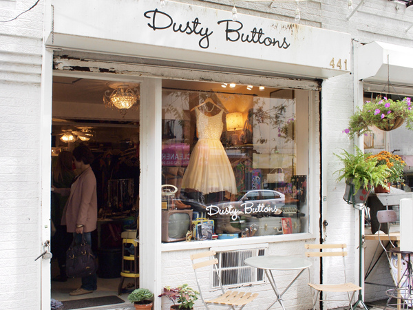 dusty buttons une boutique vintage new york. Black Bedroom Furniture Sets. Home Design Ideas