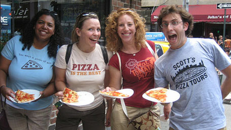 scotts Tu aimes la pizza et tu rêves d'en manger à New York ? Fais un Scott's Pizza Tour.