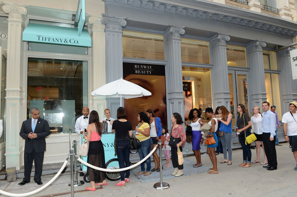 Tiffany+Co+Celebrates+FNO+New+SoHo+Store+5_QMeZOVWprl Quatrième édition de la Fashion's Night Out New York