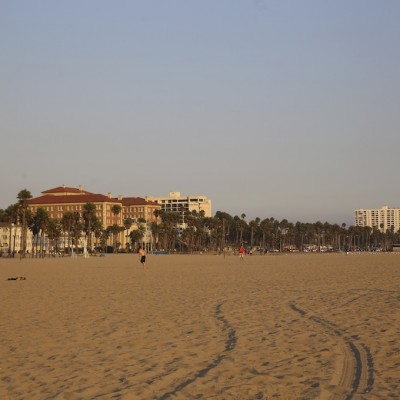 IMG 0909 400x400 Enjoy your life   Santa Monica beach