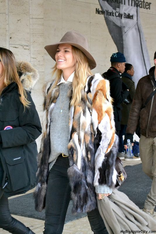 8awrWtLXcNtCfqZXiUbDOGnE47Op9wuRyoDq0pDu5qk Minute mode NY Streetstyle #11 par Jennie : New York Fashion Week 2014