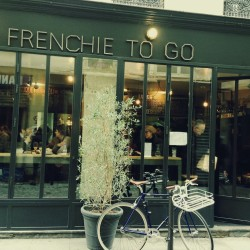 FRENCHIE TO GO