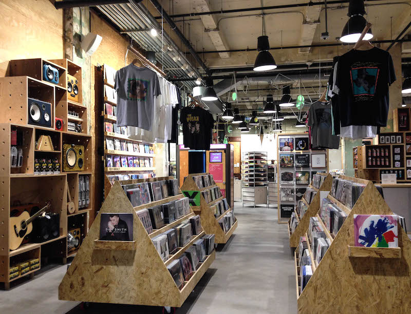 magasin tendance à New York urban outfitters herald square