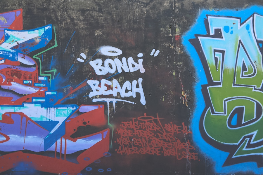 bondi-beach-sydney-graffiti-wall-2
