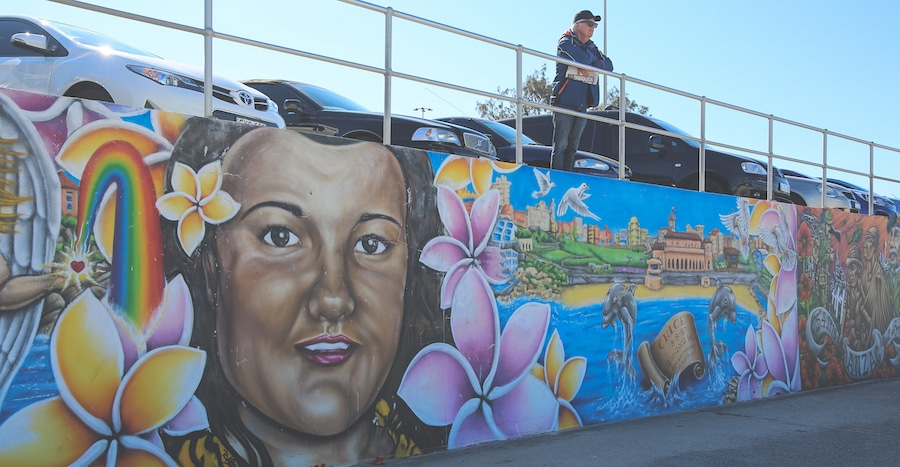 bondi-beach-sydney-graffiti-wall-6