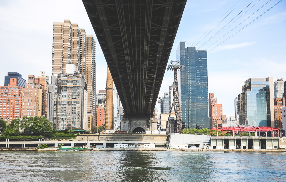 Roosevelt-island-vue-east-river-new-york Roosevelt Island et son tramway, une expérience incroyable à New York