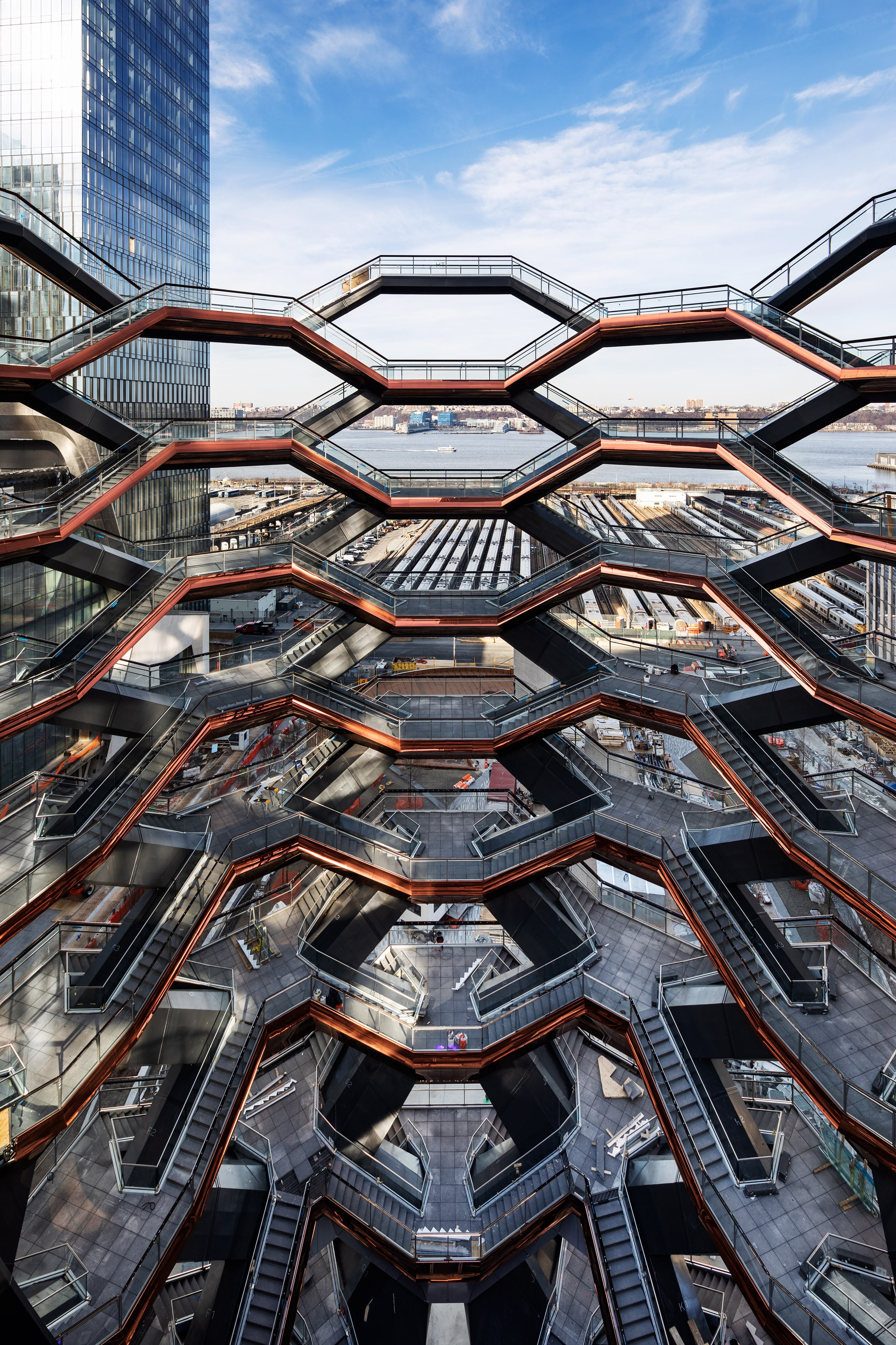 vessel-architecture-hudson-yards-new-york-city-us_dezeen_2364_col_3 Je vous confie mes 5 nouveautés à visiter à New York en 2019 !